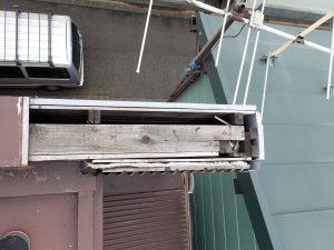 足立区古千谷本町で瓦棒屋根重ね葺き工事。雨漏りは放っておくとより大きな被害に繋がるので、建物の為に早く直してあげましょう!