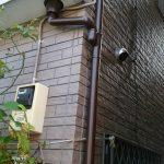 台風の影響で樋が破損したので補修工事中です